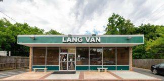 Nhà hàng Việt Văn Lang ở phía đông thành phố Charlotte, bang Bắc Carolina, Mỹ